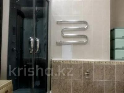 3-комнатная квартира, 120 м² помесячно, Солодовникова 21 — проспект Гагарина за 250 000 〒 в Алматы — фото 9