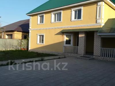 6-комнатный дом, 215 м², 10 сот., 7-й микрорайон 71 за 36 млн 〒 в Аксае