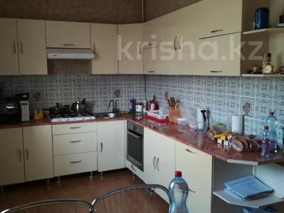 6-комнатный дом, 215 м², 10 сот., 7-й микрорайон 71 за 36 млн 〒 в Аксае — фото 6