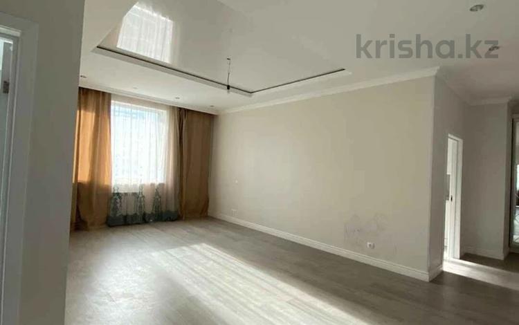 3-комнатная квартира, 97 м², 9/10 этаж, Абикена Бектурова 1/1 за 42.9 млн 〒 в Нур-Султане (Астана), Есиль р-н