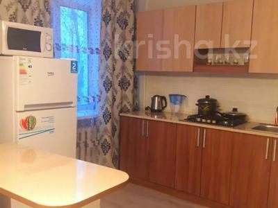 1-комнатная квартира, 45 м², 2/3 этаж посуточно, Жансугурова 98 за 10 000 〒 в Талдыкоргане — фото 2
