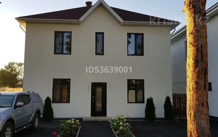 4-комнатный дом, 200 м², 7 сот., Сосновая 242 за 57 млн 〒 в Уральске