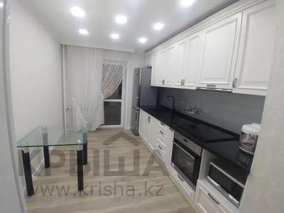 3-комнатная квартира, 89.2 м², 7/16 этаж, Самал 7 за 45 млн 〒 в Нур-Султане (Астана), р-н Байконур — фото 3
