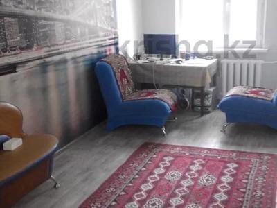 2-комнатная квартира, 57 м², 1/5 этаж, Ульяны Громовой — Абулхайр хана за 9 млн 〒 в Уральске — фото 3