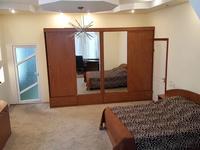 5-комнатный дом помесячно, 400 м², 6 сот.