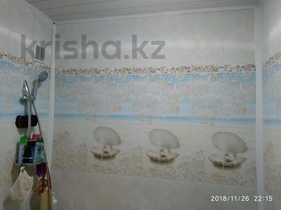 3-комнатная квартира, 62.5 м², 9/9 этаж, Мамраева 4 за 11.5 млн 〒 в Караганде, Октябрьский р-н — фото 2
