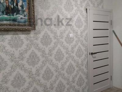 3-комнатная квартира, 62.5 м², 9/9 этаж, Мамраева 4 за 11.5 млн 〒 в Караганде, Октябрьский р-н — фото 4