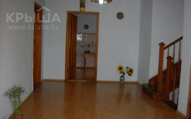 8-комнатный дом, 400 м², 12 сот., мкр Калкаман-2, Нурпеисова 58 за 90 млн 〒 в Алматы, Наурызбайский р-н