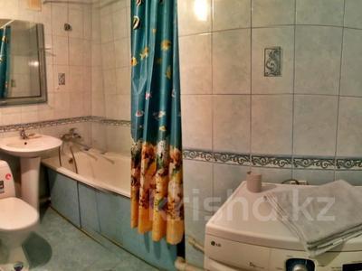 1-комнатная квартира, 31 м², 2/5 этаж посуточно, Азаттык 99а за 7 000 〒 в Атырау — фото 5