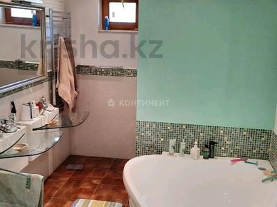 6-комнатный дом, 318 м², 30 сот., Амангельды за 120 млн 〒 — фото 14