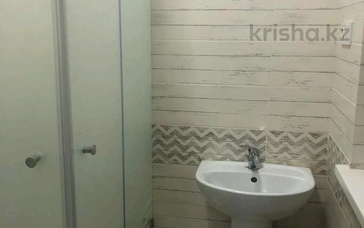 3-комнатный дом помесячно, 100 м², Тулпар б/н за 250 000 〒 в Шымкенте, Каратауский р-н
