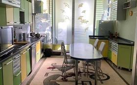 4-комнатная квартира, 169 м² помесячно, 14-й мкр 58 за 400 000 〒 в Актау, 14-й мкр