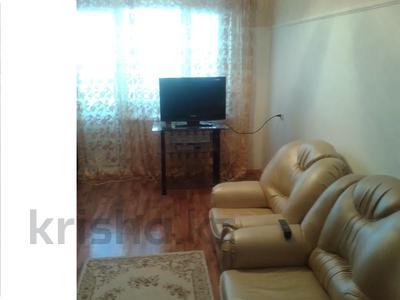 2-комнатная квартира, 60 м², 2 этаж посуточно, 11 микрорайон за 8 000 〒 в Актобе