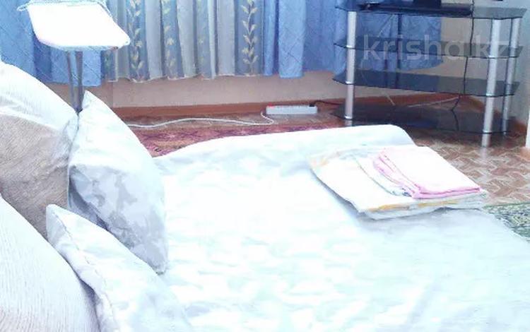1-комнатная квартира, 38 м², 6/9 этаж посуточно, Жанибек и Керей ханов 9 — Пр. Кабанбай батыра (пр. Кабанбая) за 6 000 〒 в Нур-Султане (Астана), Есиль р-н