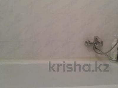 3-комнатная квартира, 75 м², 2/18 этаж, Кенесары — Ахмета Жубанова за 27.8 млн 〒 в Нур-Султане (Астана), р-н Байконур — фото 9