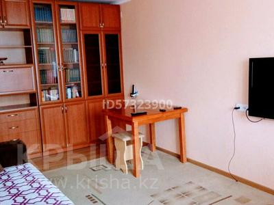 2-комнатная квартира, 48 м², 4/9 этаж посуточно, Абдирова — Гоголя за 8 000 〒 в Караганде, Казыбек би р-н — фото 2