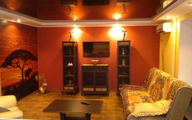 2-комнатная квартира, 60 м², 1/9 этаж посуточно, Крылова 74 за 10 000 〒 в Усть-Каменогорске