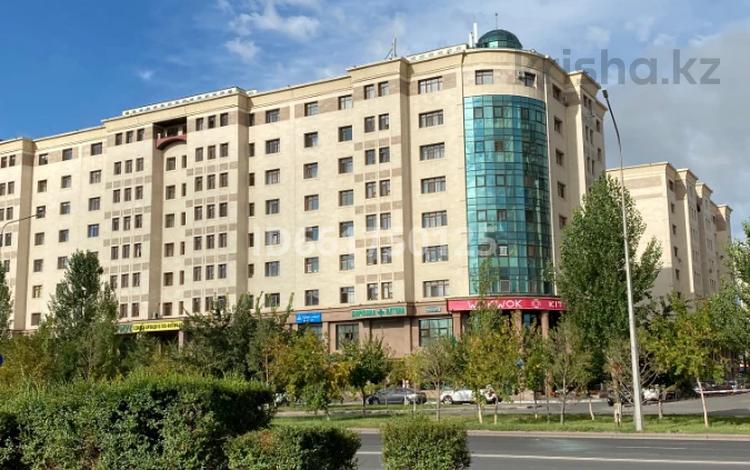 3-комнатная квартира, 104 м², 8/8 этаж, проспект Мангилик Ел 27/1 — Орынбор за 43 млн 〒 в Нур-Султане (Астана), Есиль р-н