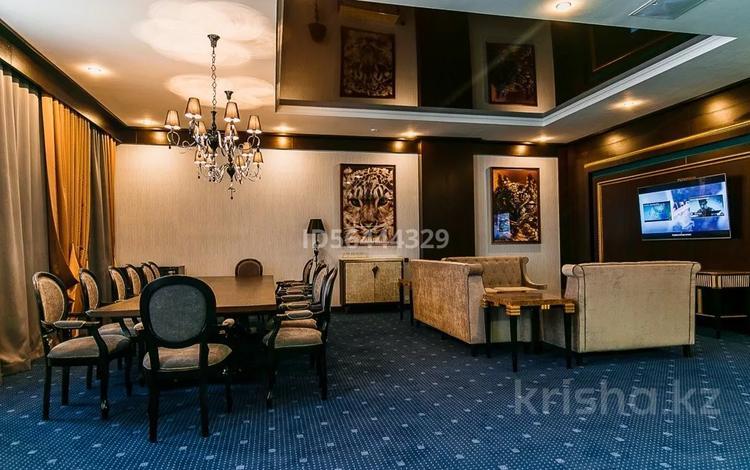 5-комнатный дом посуточно, 450 м², 2 сот., Майлина 37а за 150 000 〒 в Нур-Султане (Астана), Алматы р-н