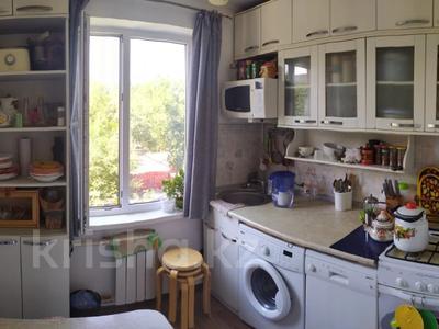 3-комнатная квартира, 60 м², 3/5 этаж, мкр Тастак-1, Мкр Тастак-1 за 20.5 млн 〒 в Алматы, Ауэзовский р-н