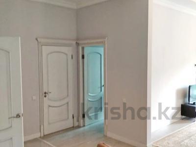 2-комнатная квартира, 79.3 м², 4 этаж, Жамакаева 254/2 за 48 млн 〒 в Алматы, Медеуский р-н — фото 11