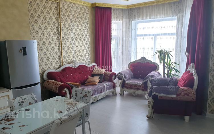 4-комнатная квартира, 100 м², 4/5 этаж помесячно, Жемчужная 1/1 за 250 000 〒 в Актау