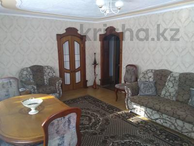 4-комнатный дом, 175.7 м², 6 сот., Ешекеева 27 — Торайгырова за ~ 22 млн 〒 в Семее — фото 12