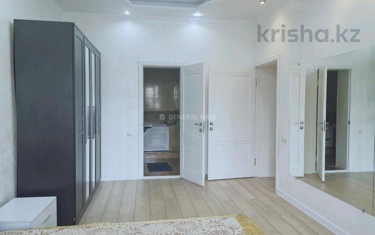 2-комнатная квартира, 90 м², 9/18 этаж помесячно, Курмангазы 145 за 180 000 〒 в Алматы