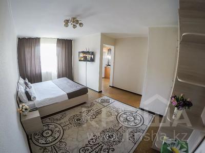 1-комнатная квартира, 35 м², 3/5 этаж посуточно, Шевченко 121 — Ленина за 6 500 〒 в Талдыкоргане — фото 2