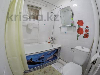 1-комнатная квартира, 35 м², 3/5 этаж посуточно, Шевченко 121 — Ленина за 6 500 〒 в Талдыкоргане — фото 3