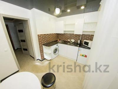 1-комнатная квартира, 35 м², 3/5 этаж посуточно, Абая 31 — Жумабаева за 10 000 〒 в Петропавловске — фото 7