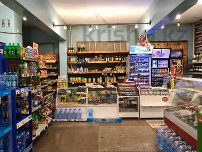 Магазин площадью 212 м², Ержанова за 400 000 〒 в Караганде, Казыбек би р-н — фото 3