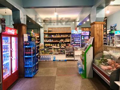 Магазин площадью 212 м², Ержанова за 400 000 〒 в Караганде, Казыбек би р-н — фото 2