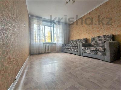 1-комнатная квартира, 35 м², 3/5 этаж, проспект Абылай Хана 24 за 10.5 млн 〒 в Нур-Султане (Астана), Алматы р-н
