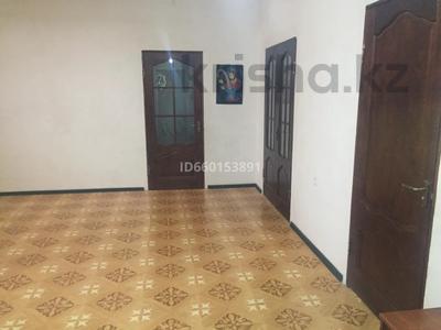6-комнатный дом, 240 м², 10 сот., Мкр Рахат-1, улица-2 19 за 16 млн 〒 в Жанаозен