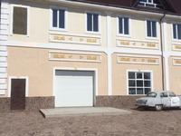 10-комнатный дом, 900 м², 26 сот., 2 мкр 4 за 70 млн 〒 в