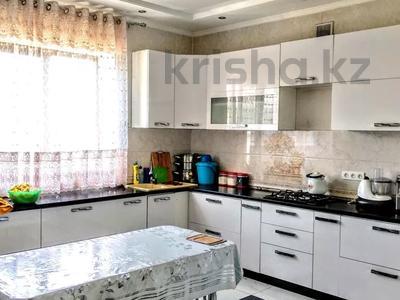 4-комнатный дом, 260 м², 8 сот., Жайнак 12 — КОЛСАЙ за 35 млн 〒 в Боралдае (Бурундай)