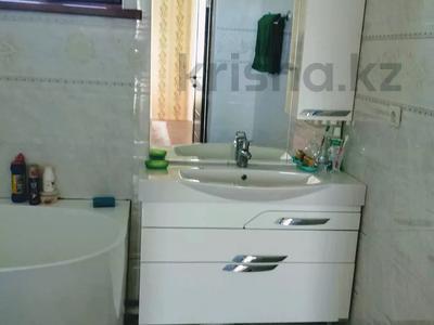4-комнатный дом, 260 м², 8 сот., Жайнак 12 — КОЛСАЙ за 35 млн 〒 в Боралдае (Бурундай) — фото 15