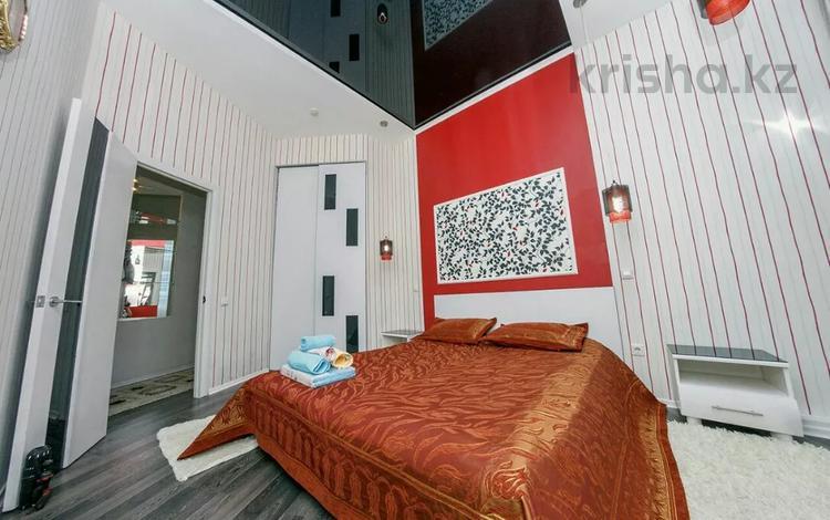 2-комнатная квартира, 75 м², 13/32 этаж посуточно, Достык 5 за 15 000 〒 в Нур-Султане (Астана), Есиль р-н