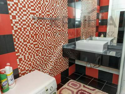2-комнатная квартира, 75 м², 12/38 этаж посуточно, Достык 5 за 14 000 〒 в Нур-Султане (Астана), Есиль р-н — фото 11