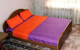 1-комнатная квартира, 50 м², 3/9 этаж посуточно, Сазда 89 за 6 000 〒 в Актобе, Нур Актобе