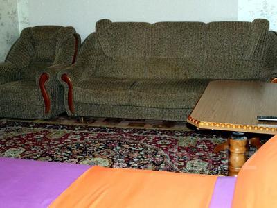 1-комнатная квартира, 50 м², 3/9 этаж посуточно, Сазда 89 за 6 000 〒 в Актобе, Нур Актобе — фото 3