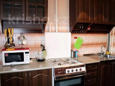1-комнатная квартира, 50 м², 3/9 этаж посуточно, Сазда 89 за 6 000 〒 в Актобе, Нур Актобе — фото 5