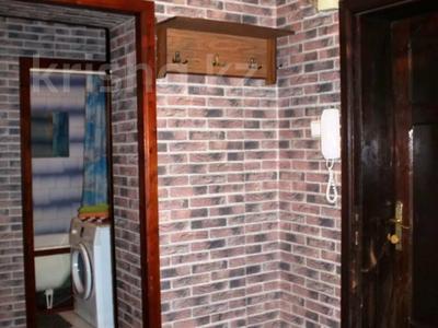 1-комнатная квартира, 50 м², 3/9 этаж посуточно, Сазда 89 за 6 000 〒 в Актобе, Нур Актобе — фото 8