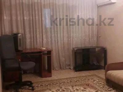 1-комнатная квартира, 35 м², 1/5 этаж помесячно, Мкр Восток — Кафе Камшат за 60 000 〒 в Шымкенте