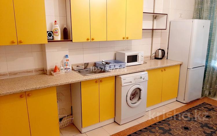 3-комнатная квартира, 85 м², 1/5 этаж посуточно, Спутник за 8 000 〒 в Капчагае