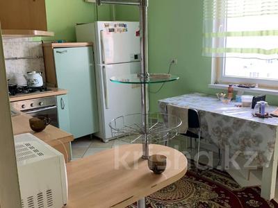3-комнатная квартира, 115 м², 6/9 этаж помесячно, Сатпаева 29 за 170 000 〒 в Атырау — фото 7
