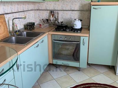 3-комнатная квартира, 115 м², 6/9 этаж помесячно, Сатпаева 29 за 170 000 〒 в Атырау — фото 8