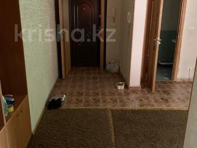 3-комнатная квартира, 115 м², 6/9 этаж помесячно, Сатпаева 29 за 170 000 〒 в Атырау — фото 9