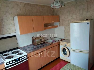 1-комнатная квартира, 40 м², 6/9 этаж помесячно, Ломова 30 — Сатпаева за 60 000 〒 в Павлодаре — фото 2